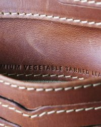 leather-wallet-brown-open-detail