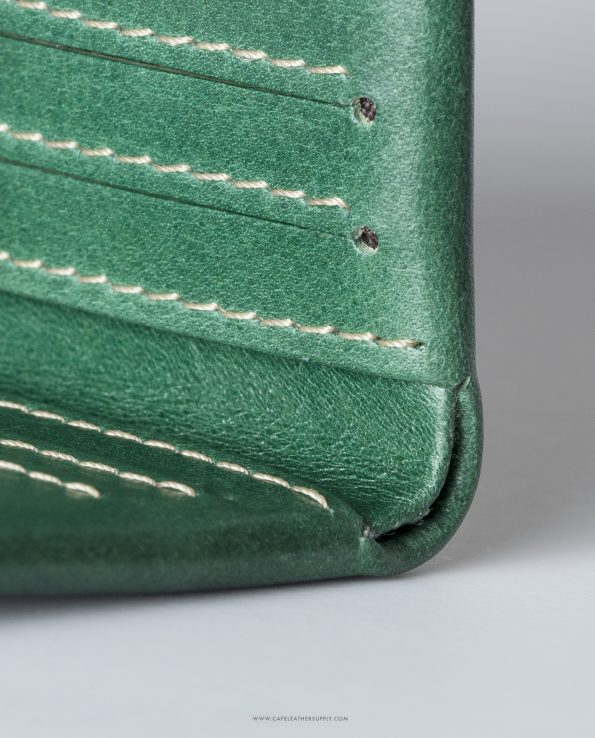 Slim leather wallet greenery. Cartera de piel greenery