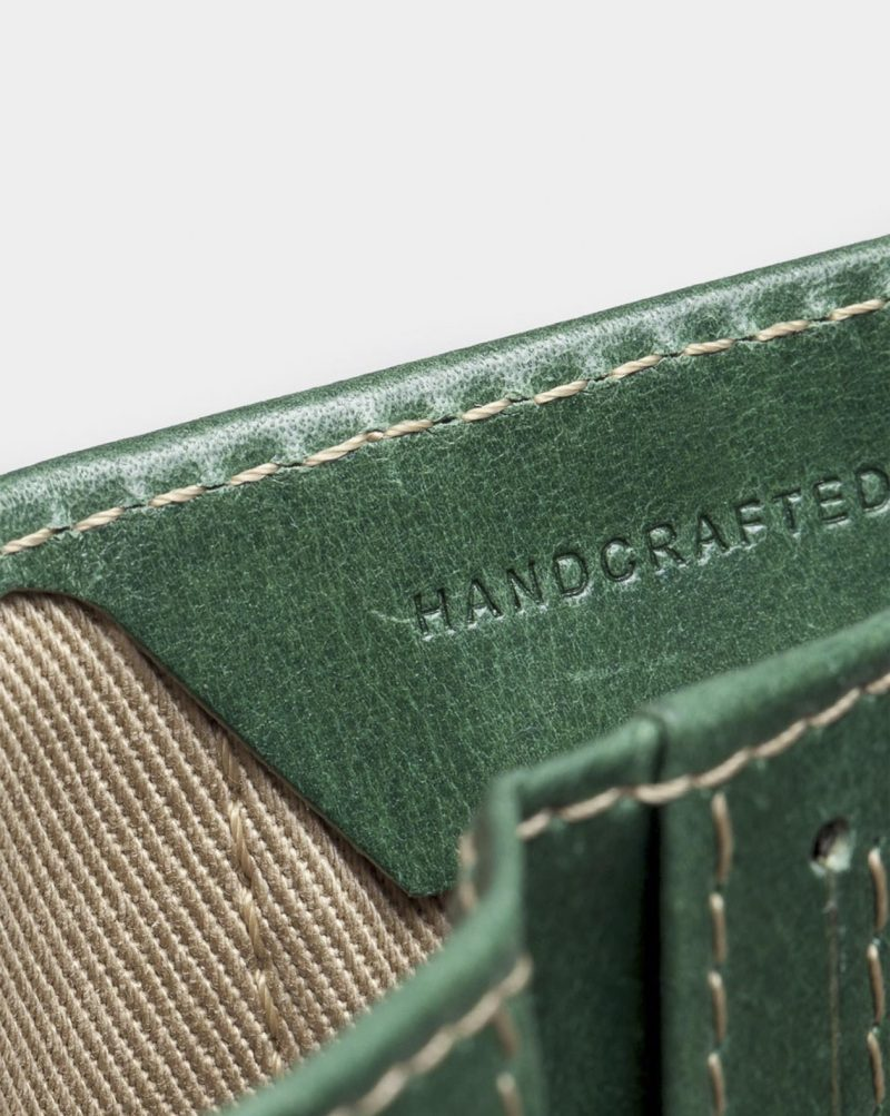 slim wallet green detail