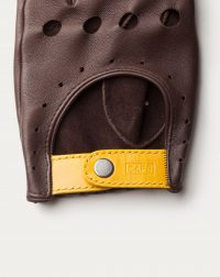 driving-gloves-black-coffee-leather-detail-bottom