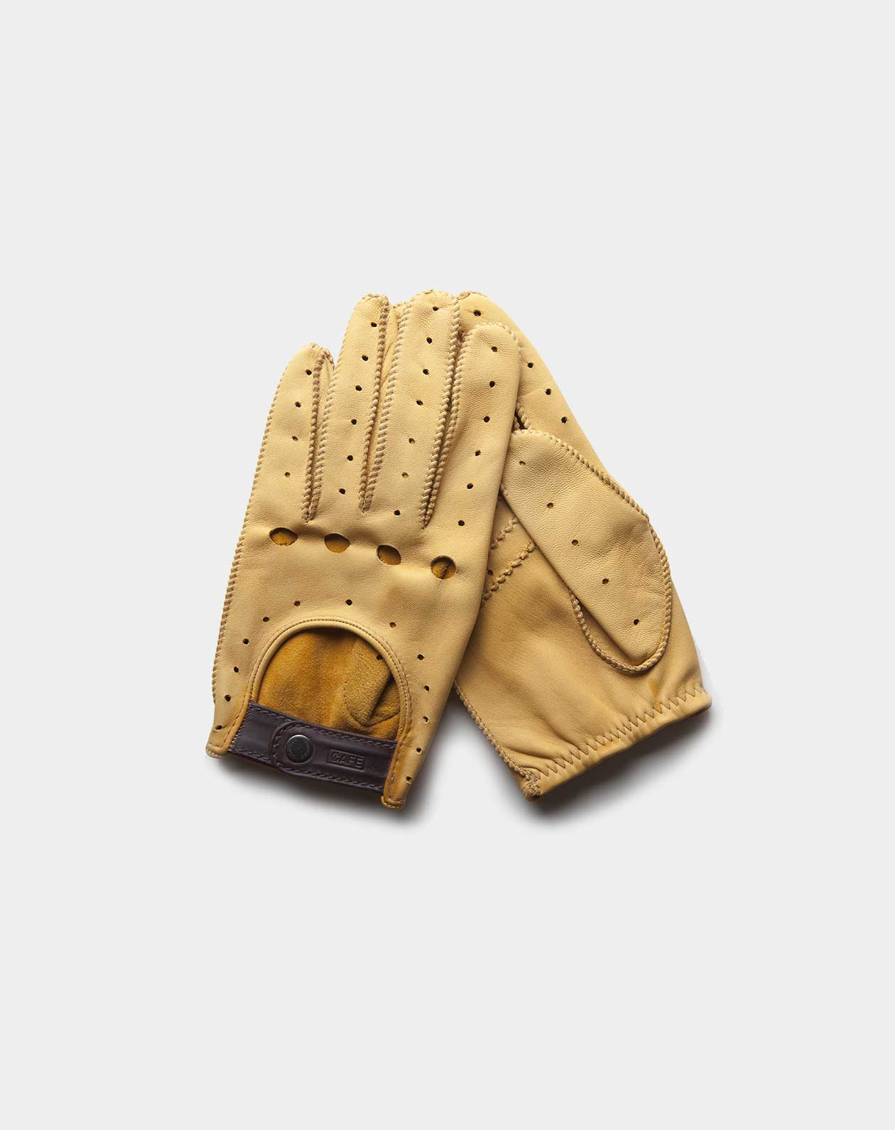 driving gloves yellow handcrafted in Spain