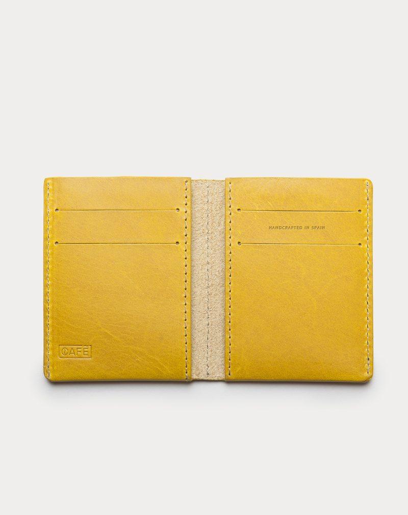 cartera de piel ultra slim abierta amarilla