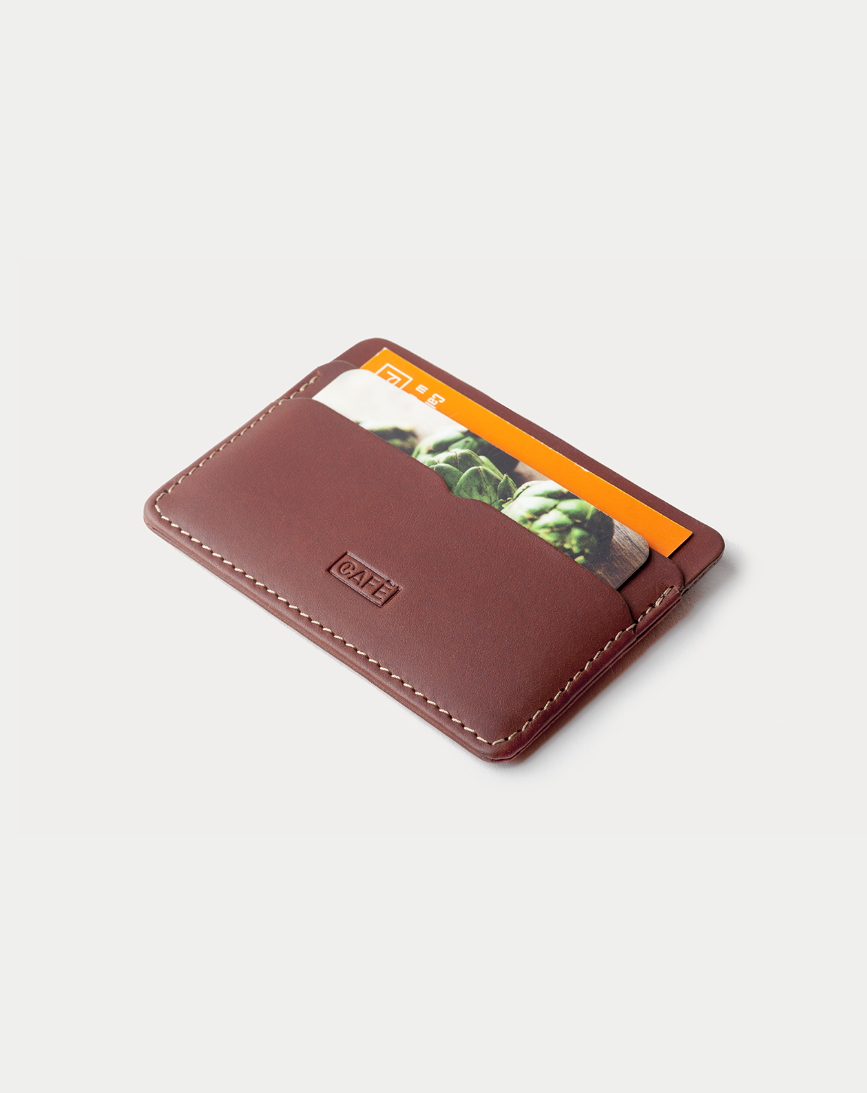 Leather Card Holder Panama + Roasted with five pockets. Tarjetero de piel Panama + Roasted con cinco compartimentos. v3