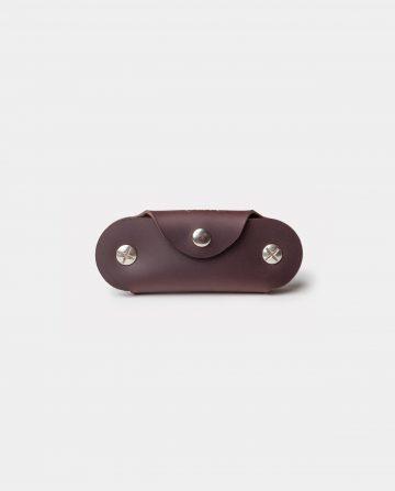 leather dark brown keycase closed