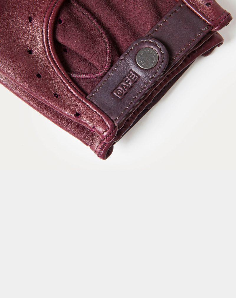 driving-gloves-brugundy-wrist-detail