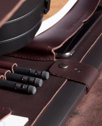 leather-briefcase-compartment