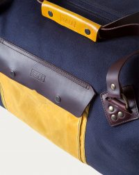 weekender-navy-handle-detail