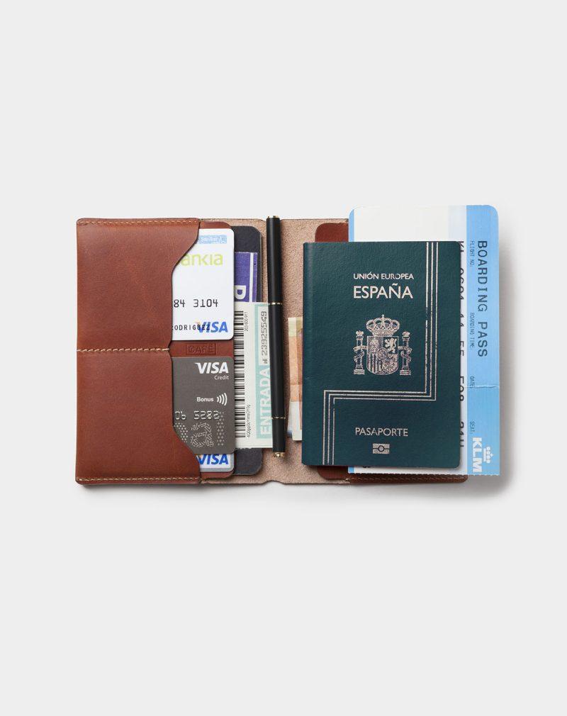 Travel wallet passport roasted