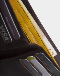 leather-billfold-detail-cards