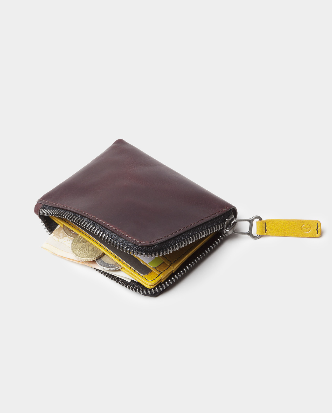 zip wallet black with coins