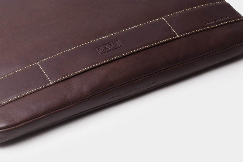 leather portfolio black bottom detail