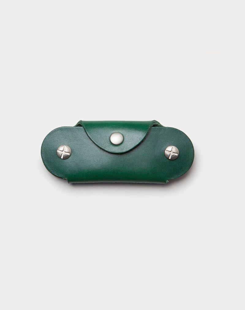 funda de piel verde para llaves cerrada frontal