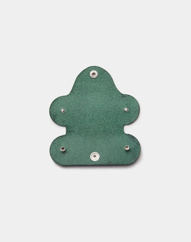 funda de piel verde para llaves abierta frontal