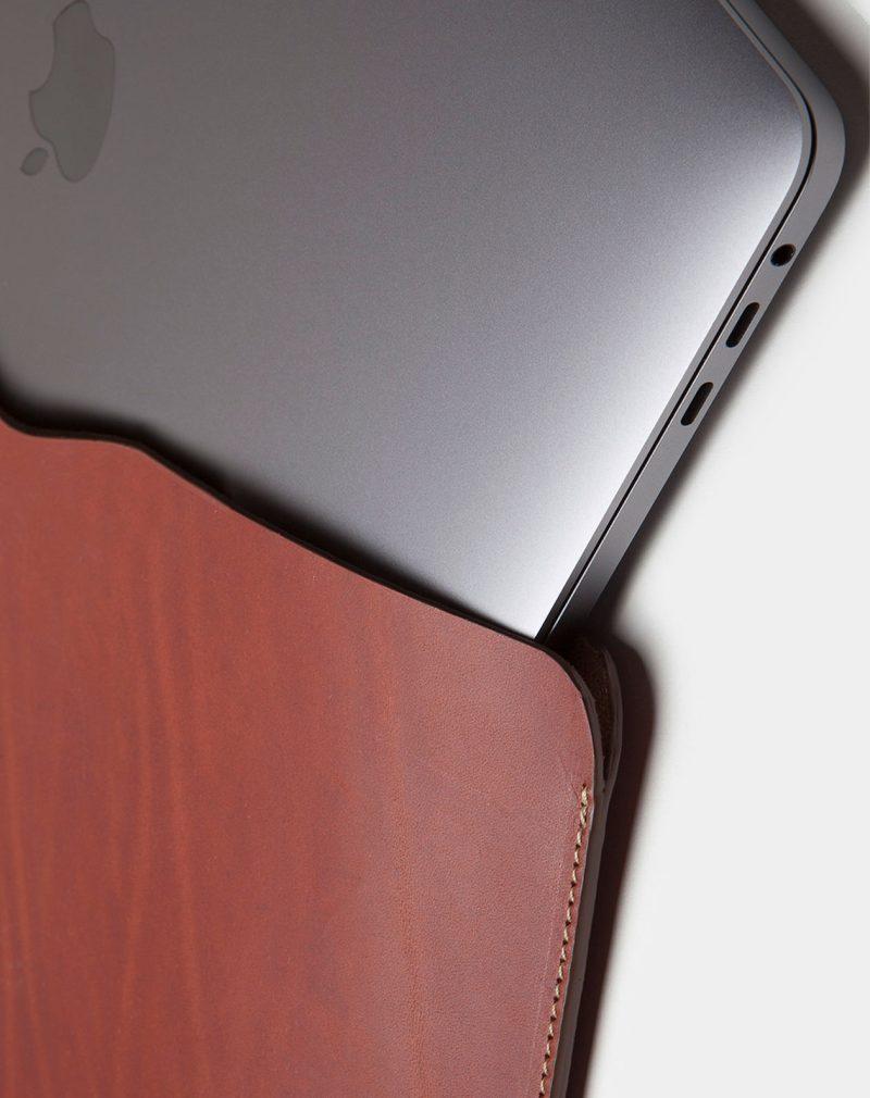 laptop case leather brown detail