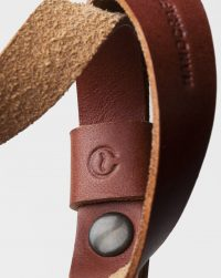 wrist-camera-strap-leather-brown-detail