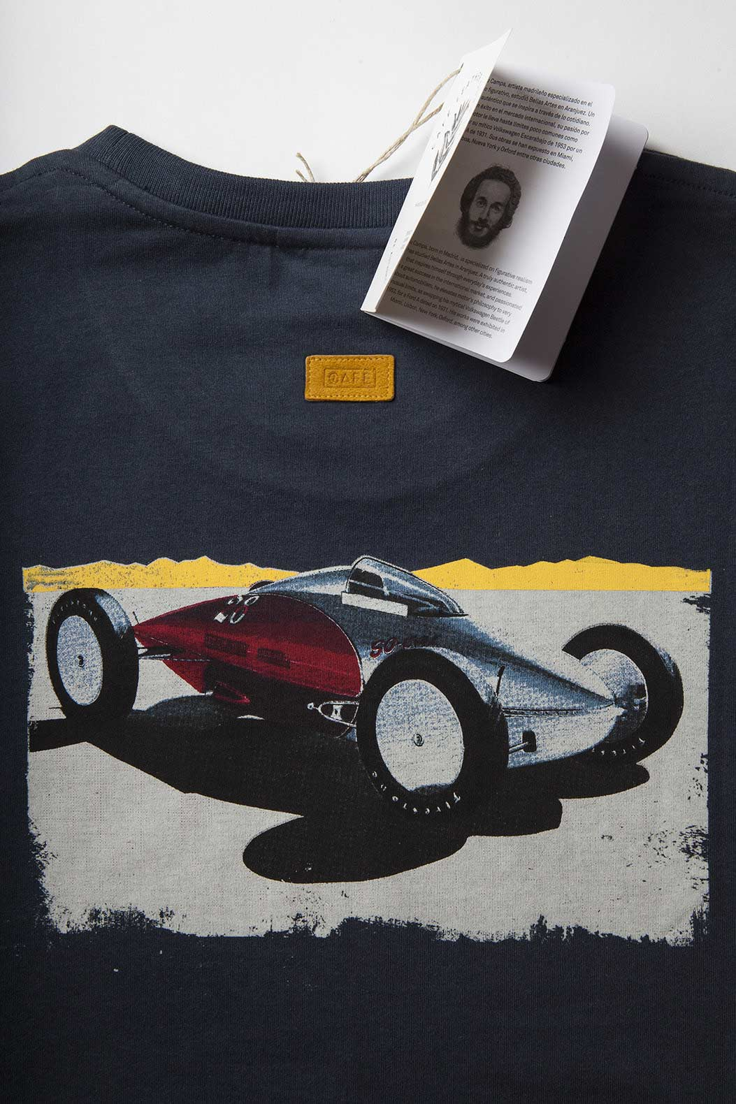 navy-t-shirt-car