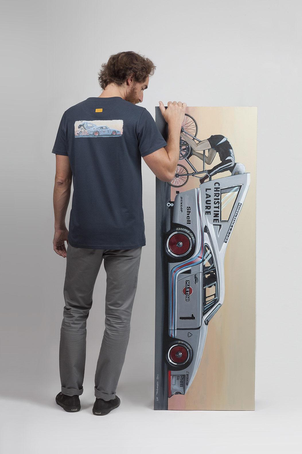 navy-t-shirt-car-canvas