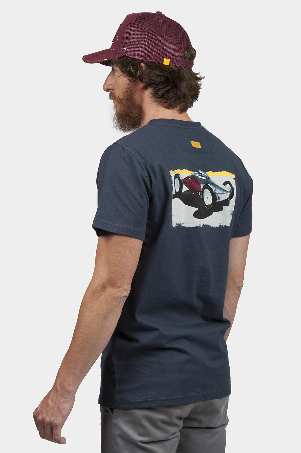 navy-t-shirt