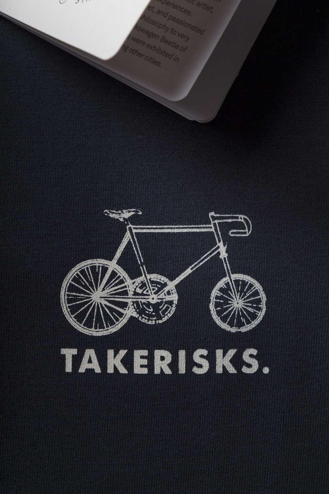 take-risks-print-navy-t-shirt