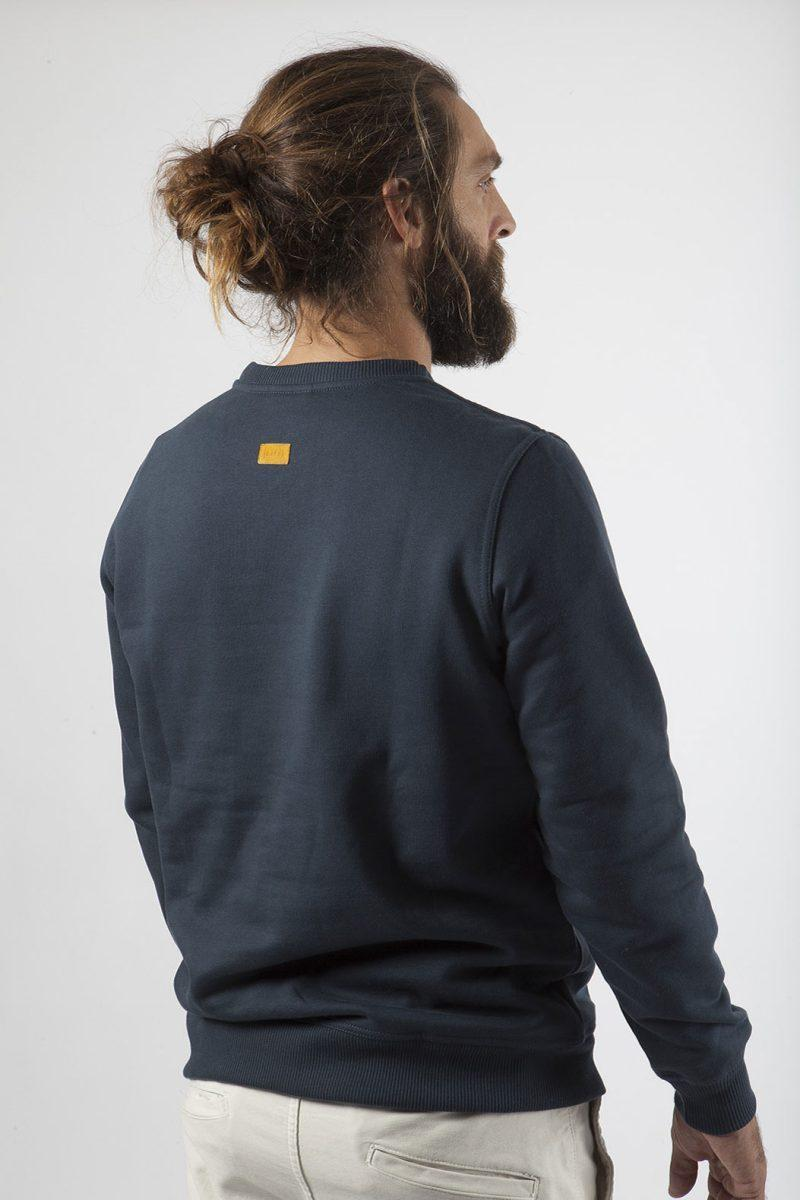 navy sweatshirt made in Portugal with 100% organic cotton