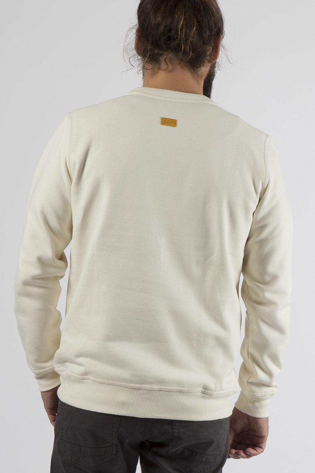 White sweatshirt made in Portugal with 100% organic cotton