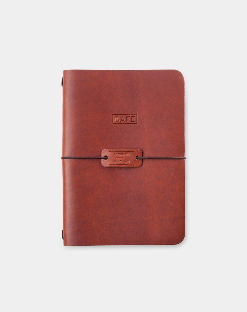 cuaderno de piel marrón