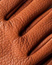 deerskin-gloves-brown-leather-detail
