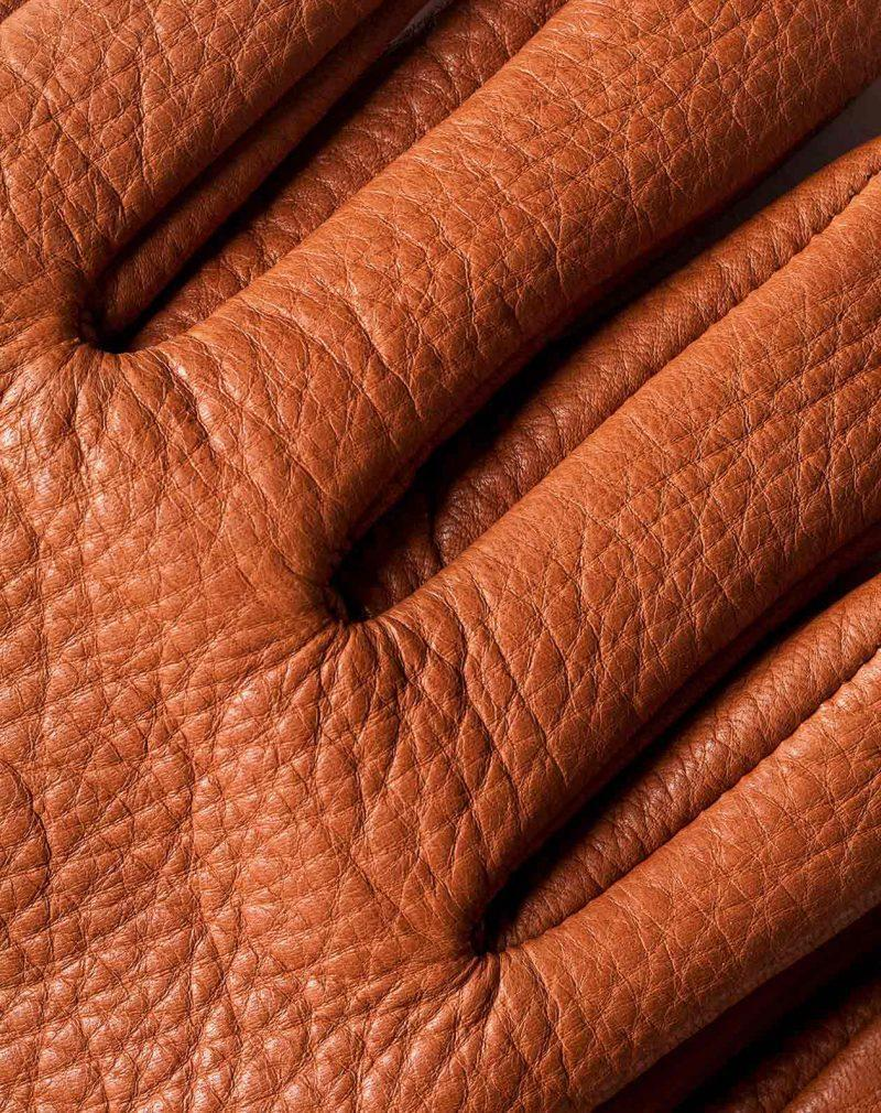 deerskin-gloves-brown-leather-detail