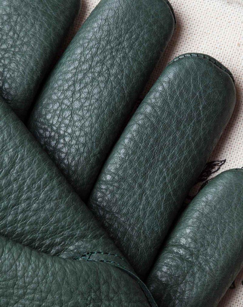 deerskin-gloves-green-finger-details