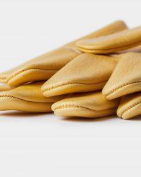 elkskin-gloves-yellow-finger-top-detail