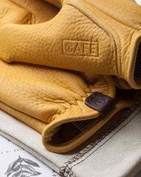 elkskin-gloves-yellow-logo-detail