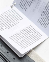 iwc-driving-gloves-package-detail-book