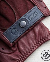 iwc-driving-gloves-red-detail-wrist