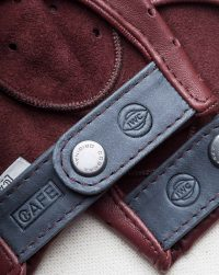 iwc-driving-gloves-red-logo-detail