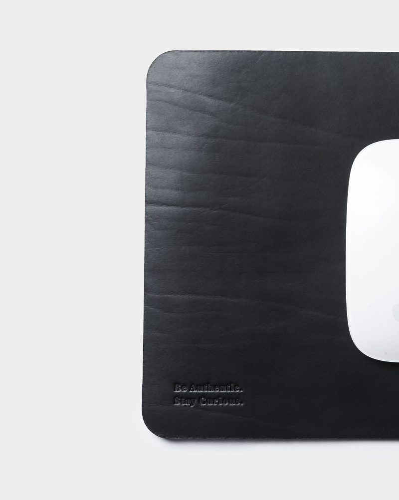 mouse pad be authentic detail