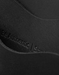 panama+-black-detail-leather