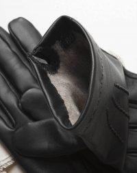 winter-gloves-all-black-detail