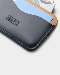 panama-leather-cardholder-blue-yellow-front