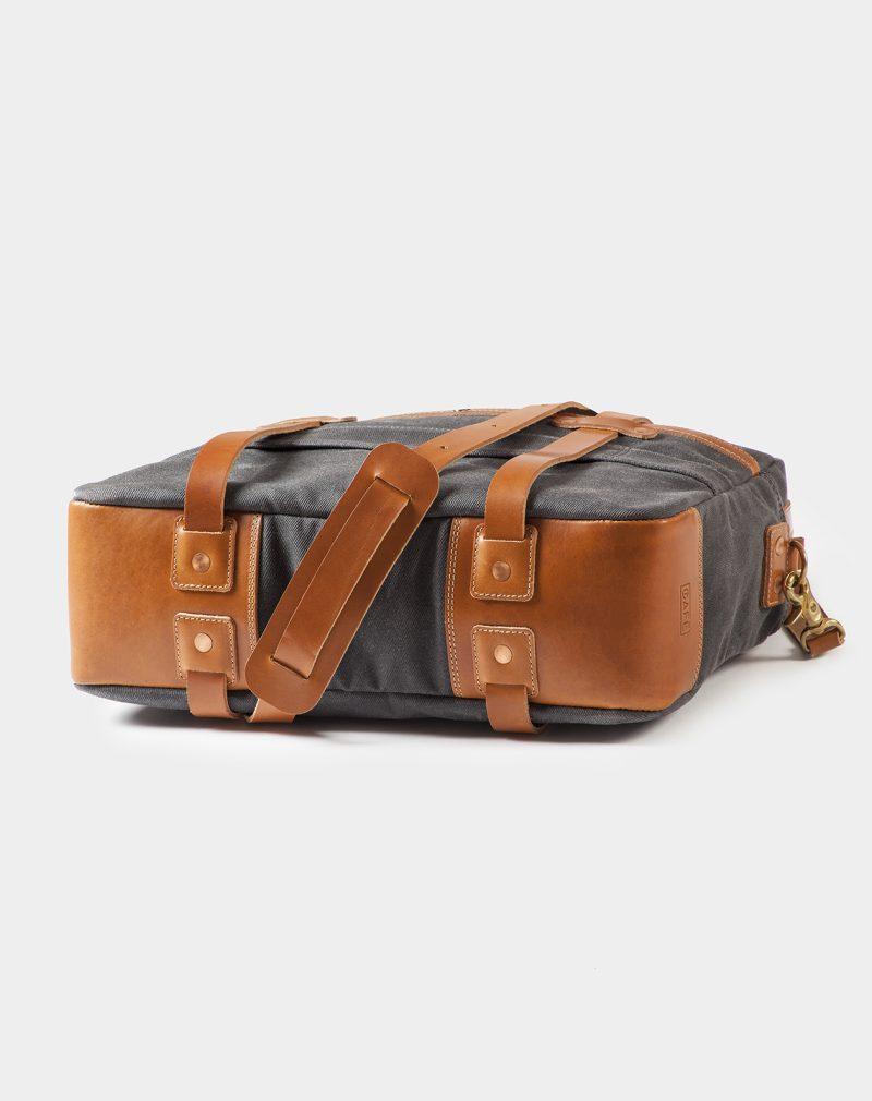 24h travel bag bottom