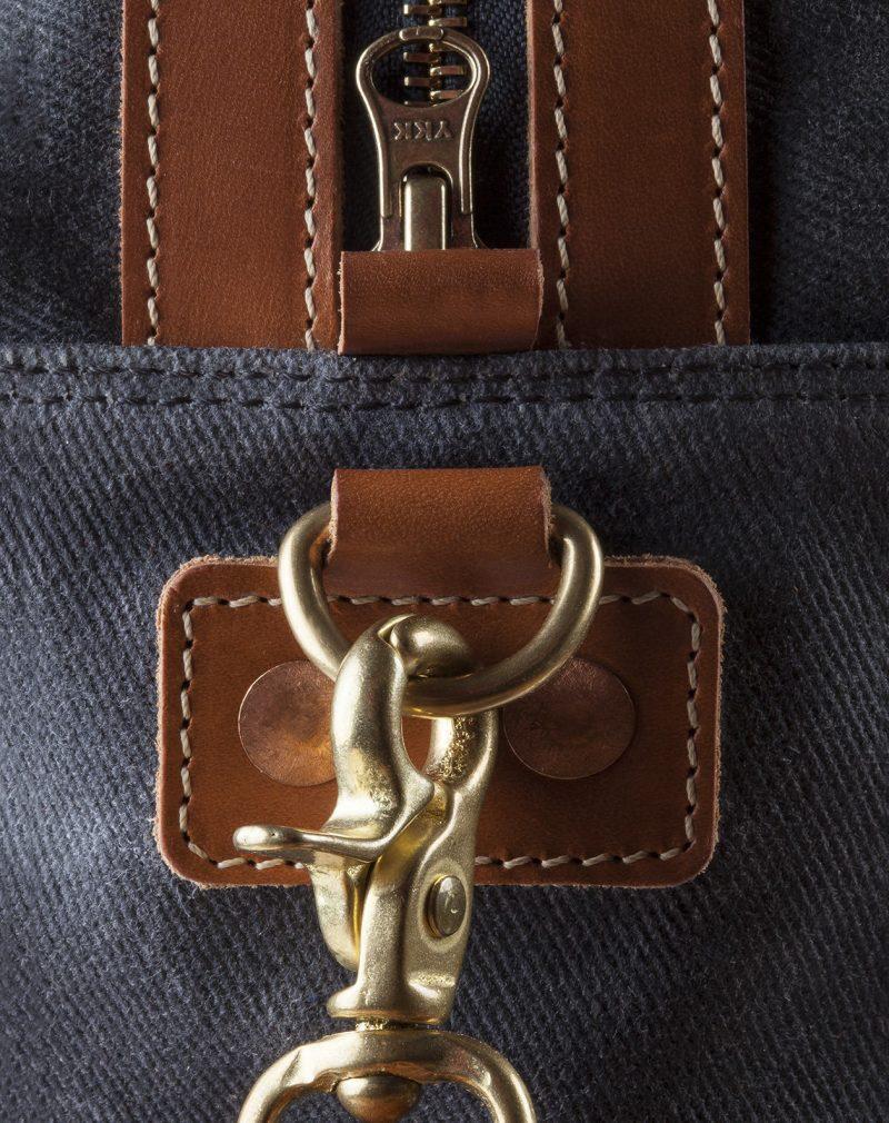 24h travel bag inside